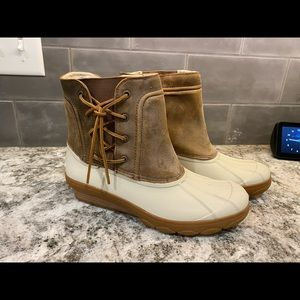 Brand new sperry duck boots 9 ivory leather